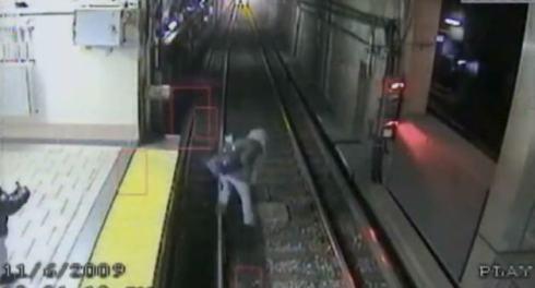 drunk-lady-v-train